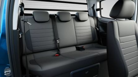 Cabine dupla com capacidade para 5 passageiros