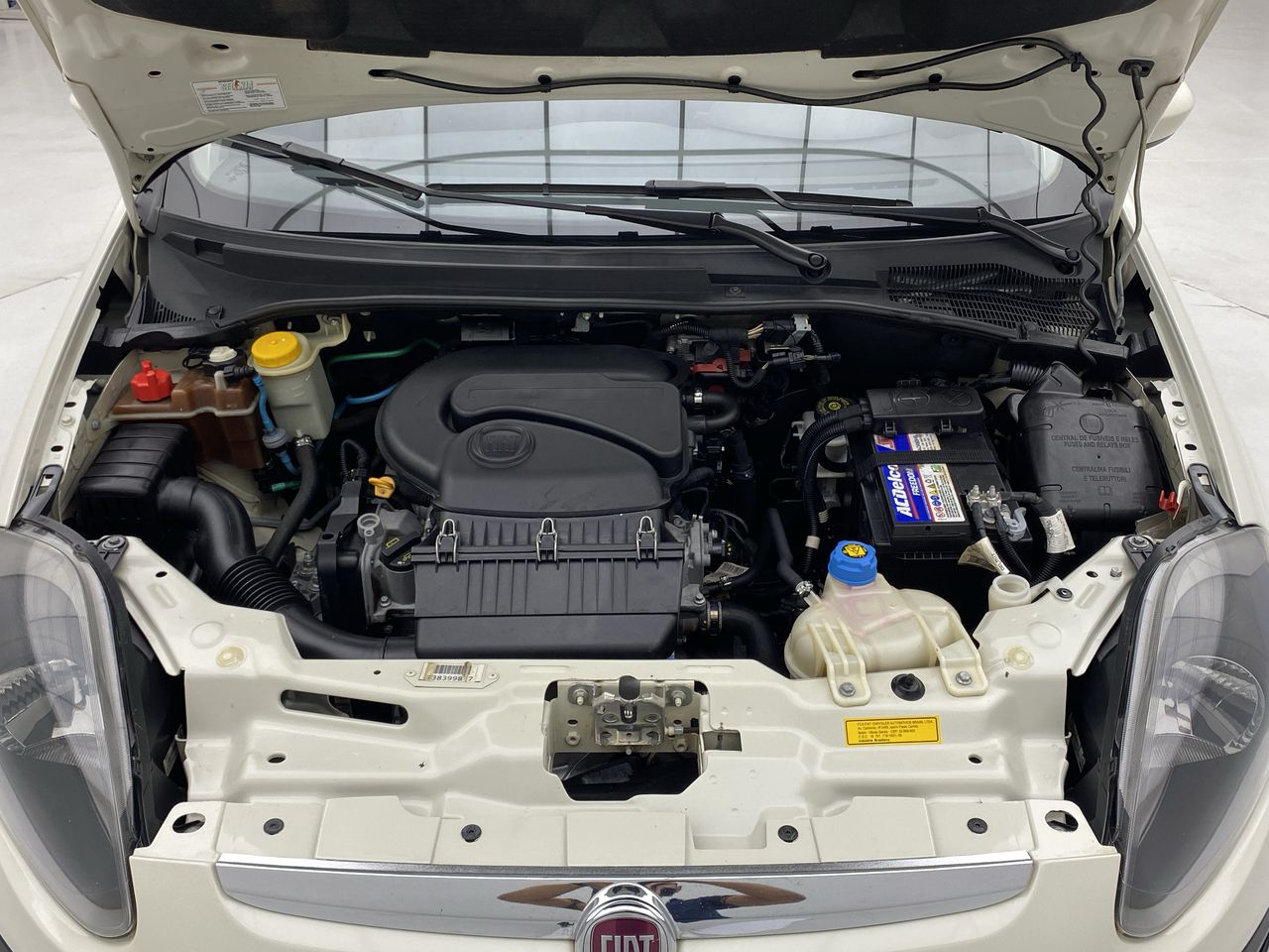 Fiat Punto ATTRACTIVE 1.4 Fire Flex 8V 5p