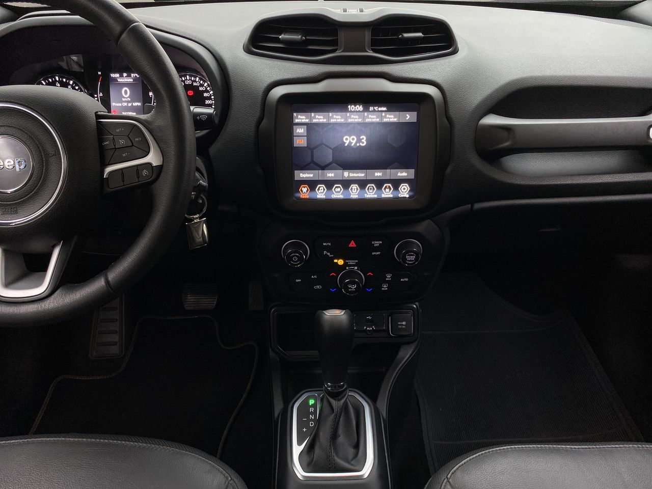 Renegade Longitude 1.8 4x2 Flex 16V Aut.