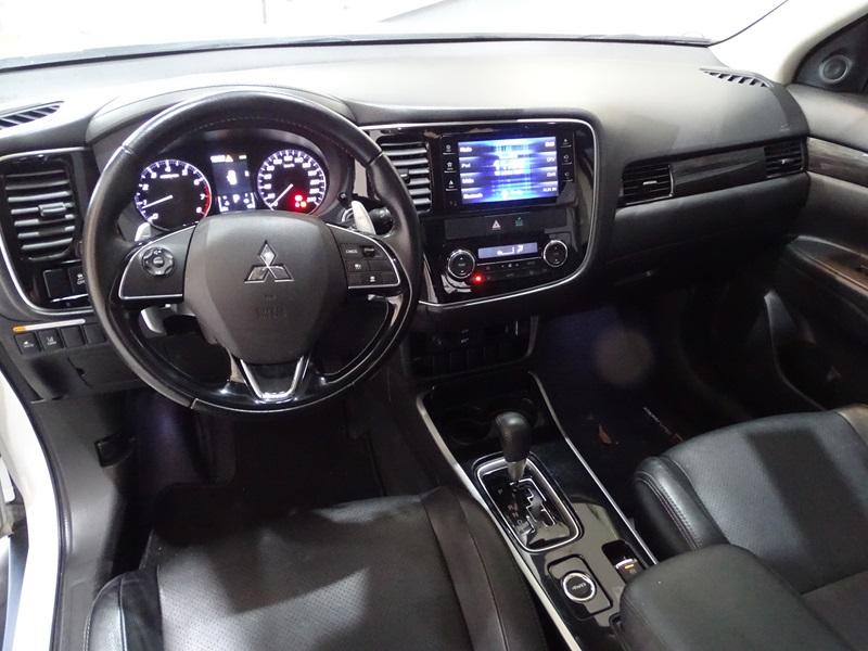 Imagem 10 de Mitsubishi OUTLANDER 3.0/ GT 3.0 V6 Aut.