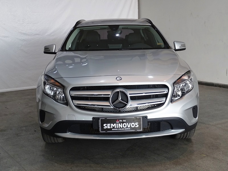 Imagem 3 de Mercedes-Benz GLA 200 Style 1.6 TB 16V/Flex Aut.