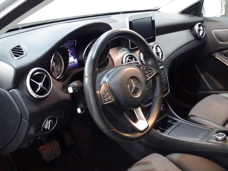 Imagem 6 de Mercedes-Benz GLA 200 Style 1.6 TB 16V/Flex Aut.