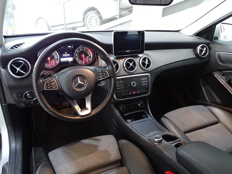 Imagem 10 de Mercedes-Benz GLA 200 Style 1.6 TB 16V/Flex Aut.