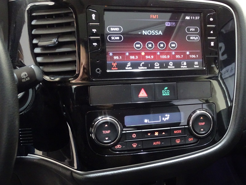 Imagem 11 de Mitsubishi OUTLANDER COMFORT 2.0 16V Aut.